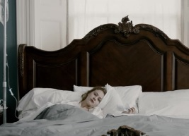 Antiviral Hannah in bed