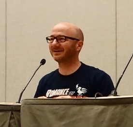 Dean Lorey talking at con