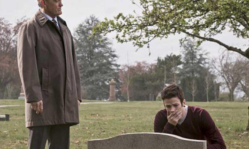 The Flash 'The Runaway Dinosaur' Recap - Episode 02.21